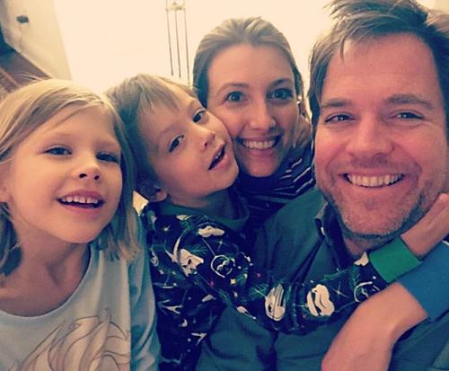 マイケルウエザリーの妻と子供の家族写真