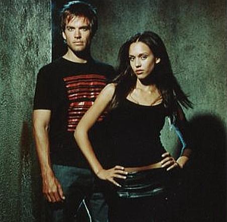 マイケルウエザリーとジェシカアルバが出会い婚約までしたドラマ「ダークエンジェル」