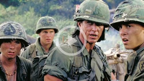 トム・ベレンジャー出演作プラトーンをU-NEXTで配信中