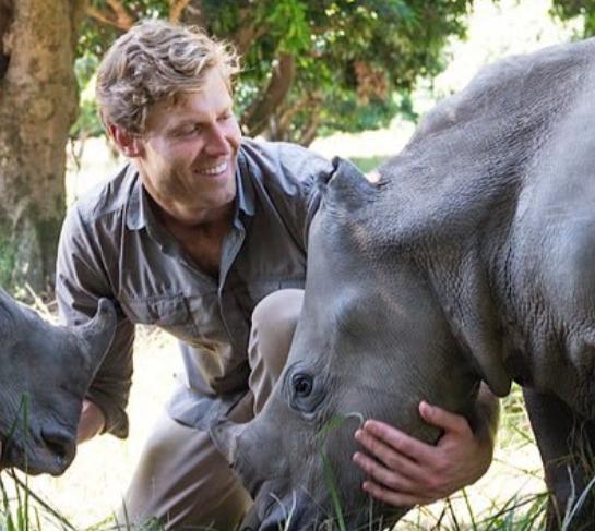 ボンダイビーチ動物病院の獣医クリス・ブラウンを調査!年齢・身長・新番組は?